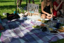 foodiesfeed.com_picnic-basket